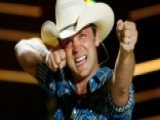 Country Star Justin Moore Heads 'Off The Beaten Track'