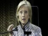 Clinton Camp Dismisses 'Clinton Cash' Allegations