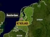 Car Crashes Into Pedestrians Outside Amsterdam Train Station