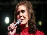 Country Legend Loretta Lynn Fractures Her Hip