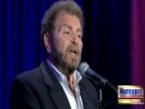 Dudu Fisher Performs 'Fiddler On The Roof' Medley