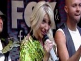 Debbie Gibson Performs 00004000 'Only In My Dreams'