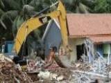 Death Toll From Indonesia Tsunami Kills Rises To At Least 373 Officials Warn More Tsunamis Could Strike Within Days
