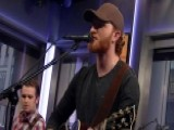 Eric Paslay Performs Hit Single 'Friday Night'