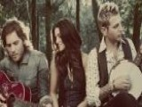 Gloriana Sings Their Single, Can't Shake You