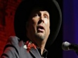 Garth Brooks Shows Kids In Denver A Little Love
