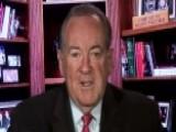 Huckabee: Carson A 'terrific Choice' For A HUD Revolution