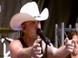 Justin Moore Performs 'You Look Like I Need A Drink'