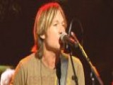 Keith Urban Brings His Band To His New Home Base