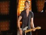 Keith Urban Supports The Hall