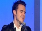 Kris Allen Performs 'Waves'