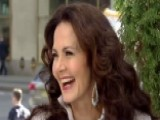 Lynda Carter Talks Hillary Clinton Support, New Projects