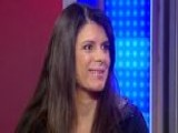 Mia Hamm Inspires Girls To Set Goals
