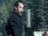 Noah Wyle Gets A Workout On 'Falling Skies'