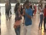 New Silent Dance Craze Sweeps New York City