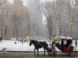 NYC Shoppers Greeted With First Snow Of The Season