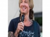 New Jersey Woman Buys Coffee For Keith Urban