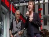 Pat Benatar And Neil Giraldo Perform 'Love Is A Battlefield'