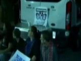 Protestors Block ICE Van After Illegal Immigrant Arrested
