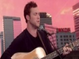 Phillip Phillips Performs 'Dance With Me'