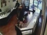 Robbers Attempt Jewelry Store Heist Dressed As Policemen
