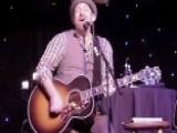 Sugarland Guitarist Kristian Bush Goes It Alone