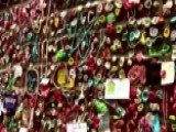 Seattle's Famous Gum Wall Is Getting A Heavy-duty Scrub Down