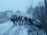 Strangers Form Human Chain To Save Truck Driver