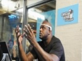 Shaq Masters The Art Of Hands-free Dunking