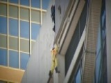 Scaffolding Accident Leaves Workers Dangling