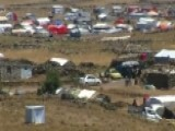 Syrian Refugees Flood Israel-Syria Border