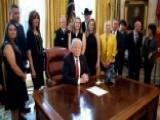Trump Praises Heroes Of Southwest Flight 1380