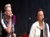 Thompson Square Performs 'A Love Like This'