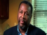 Wendell Pierce Helps Rebuild New Orleans After Katrina