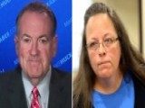 Why Mike Huckabee Is Standing With Kentucky Clerk Kim Davis