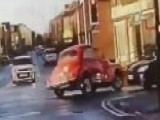 Watch: Stolen 51-year-old Morris Minor In Police Chase