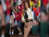 Erin Andrews Wears 'Mom Pants' At Rose Bowl Game