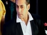 Salman Khan Causes TRAFFIC JAM