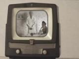 Grrrls Teaser EPISODE 2 : Comment Devenir Une Parfaite Femme Au Foyer