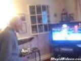 95 Year Old Wii Boxer