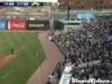 Amazing One-Handed Baseball Bat Catch